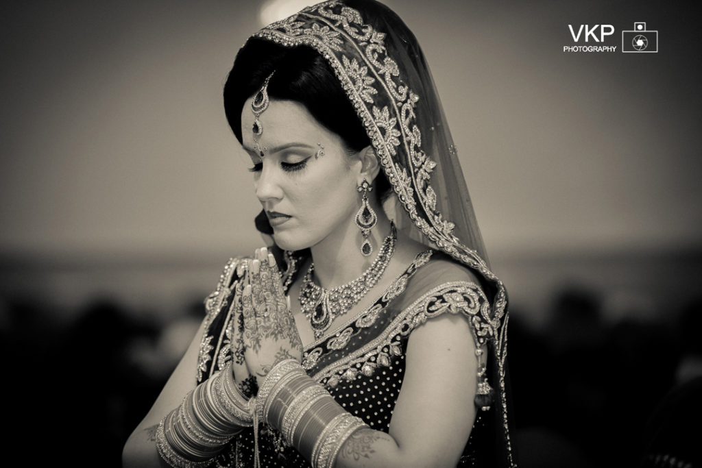 indina bride black and white praying