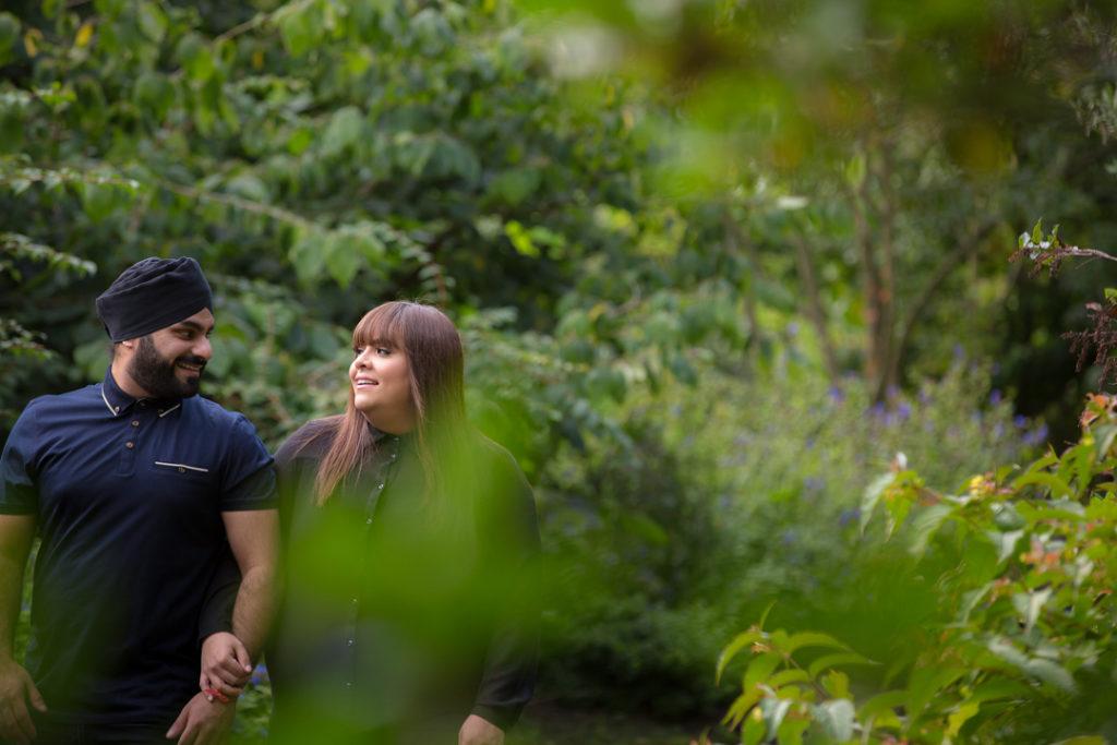 pre wedding photoshoot birmingham natural outdoors botanical gardens