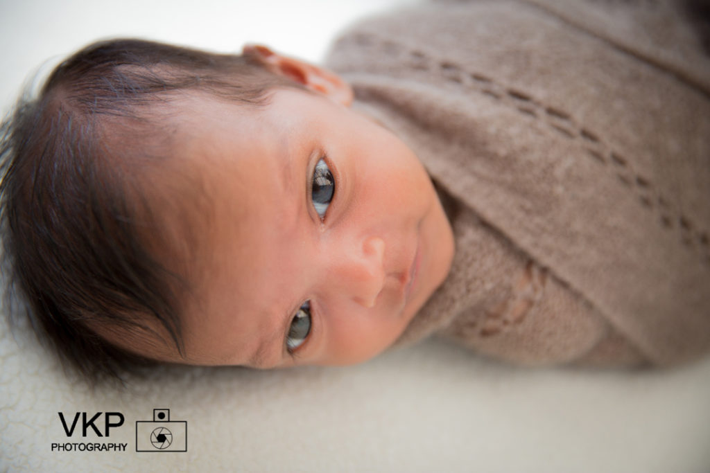 family photoshoot mother father parents newborn home